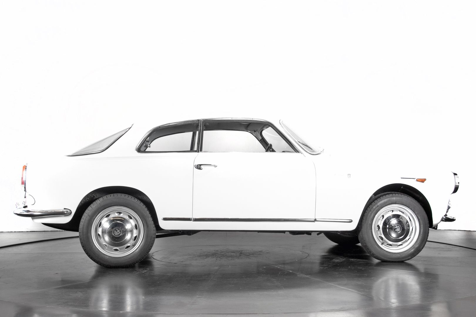 1961 Alfa Romeo Giulietta Sprint  53465