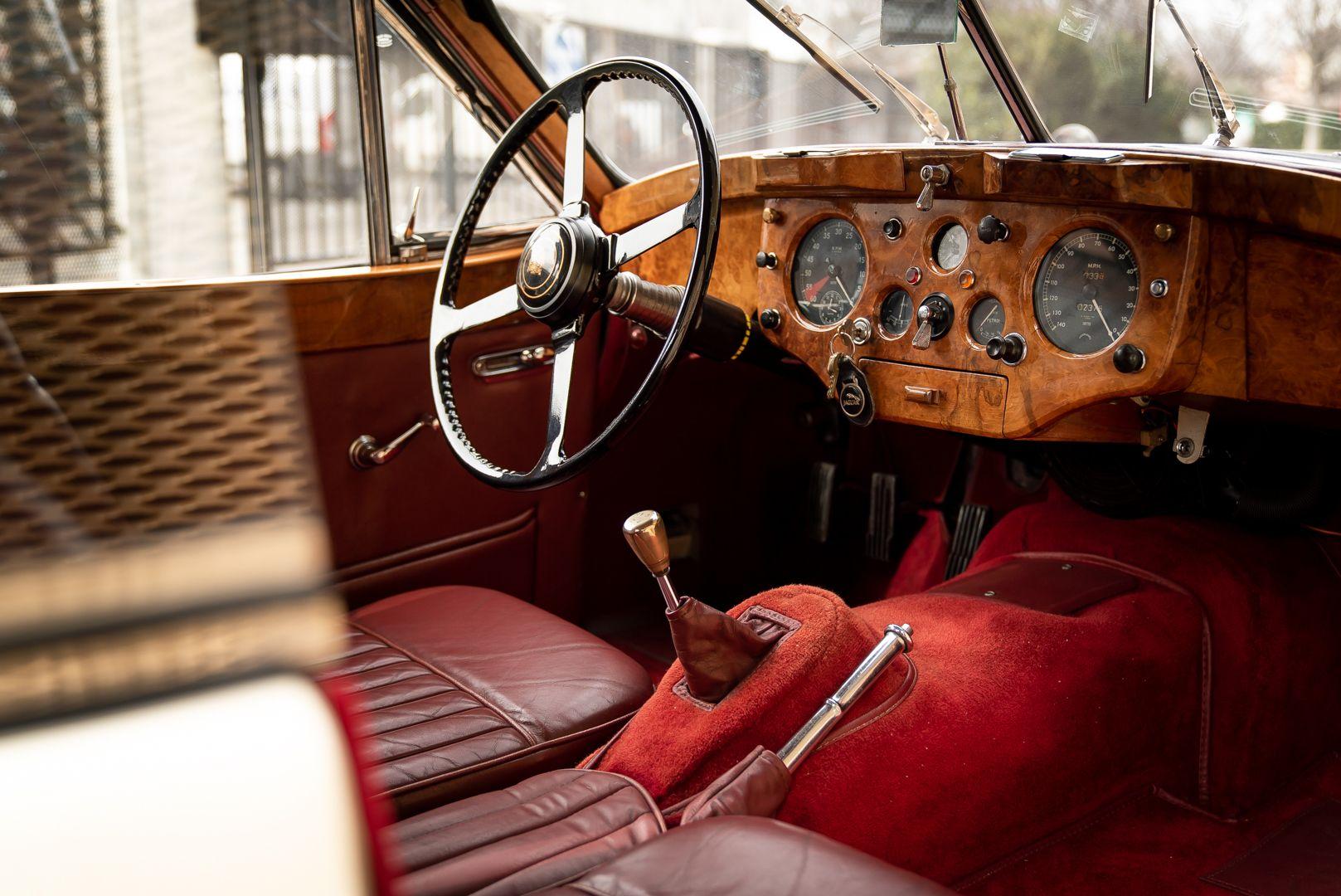 1955 Jaguar XK140 FHC SE 60905
