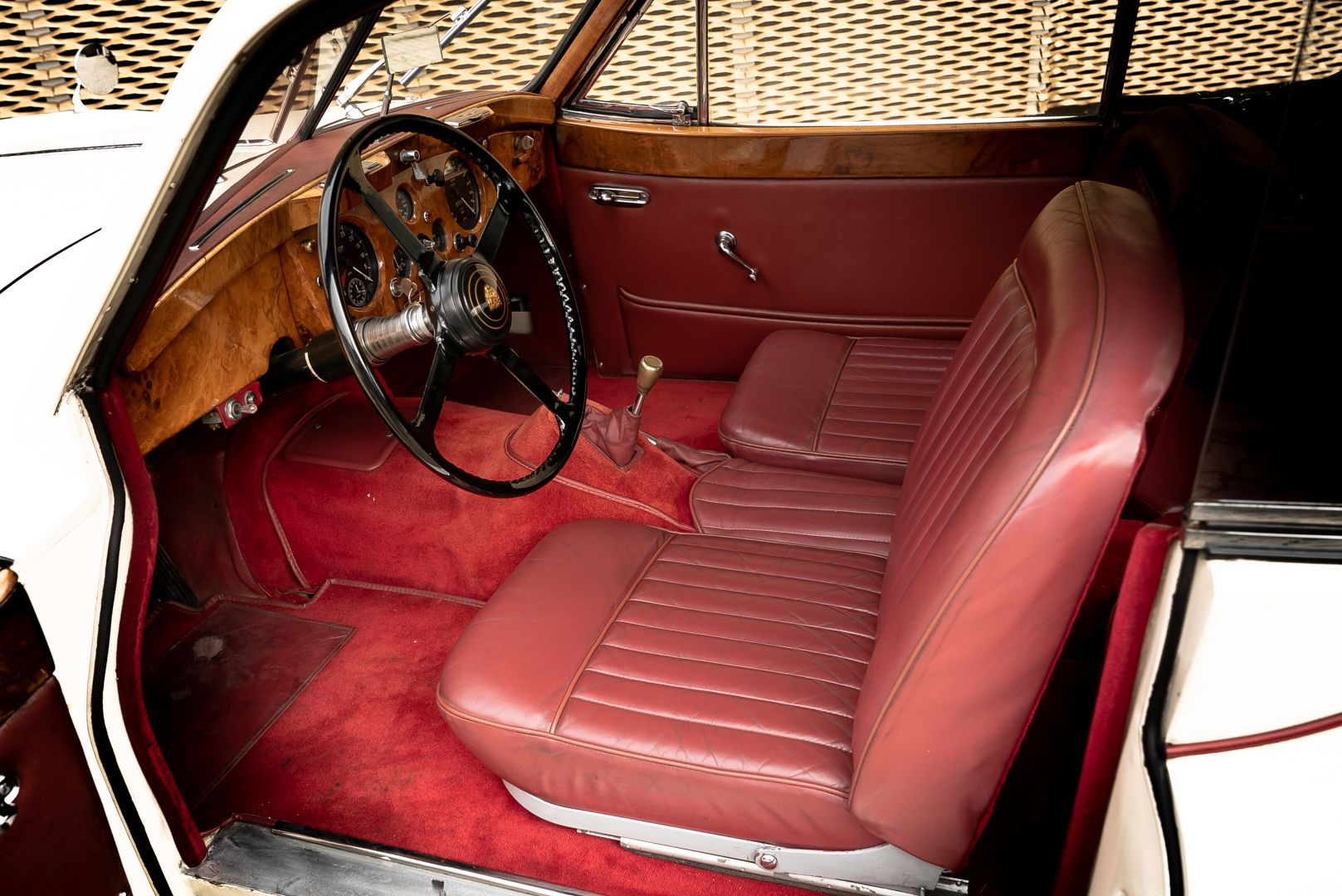 1955 Jaguar XK140 FHC SE 60902