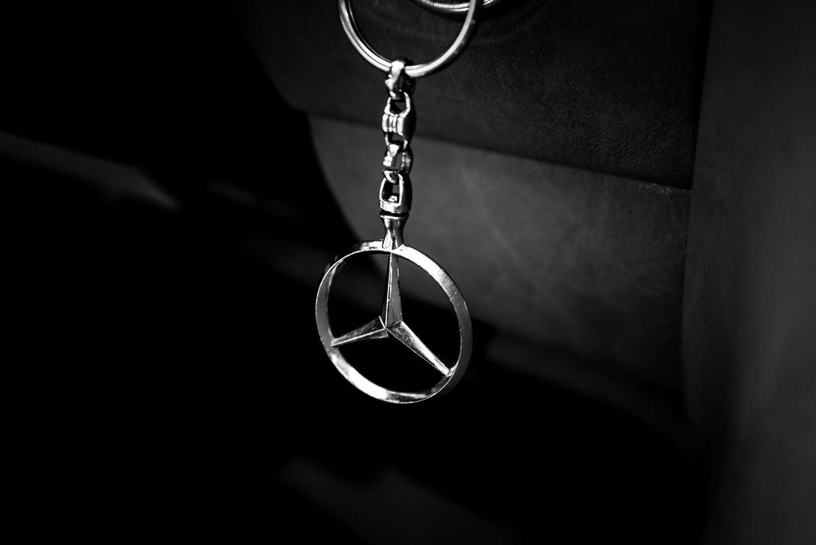 1985 Mercedes-Benz SL 560 73649