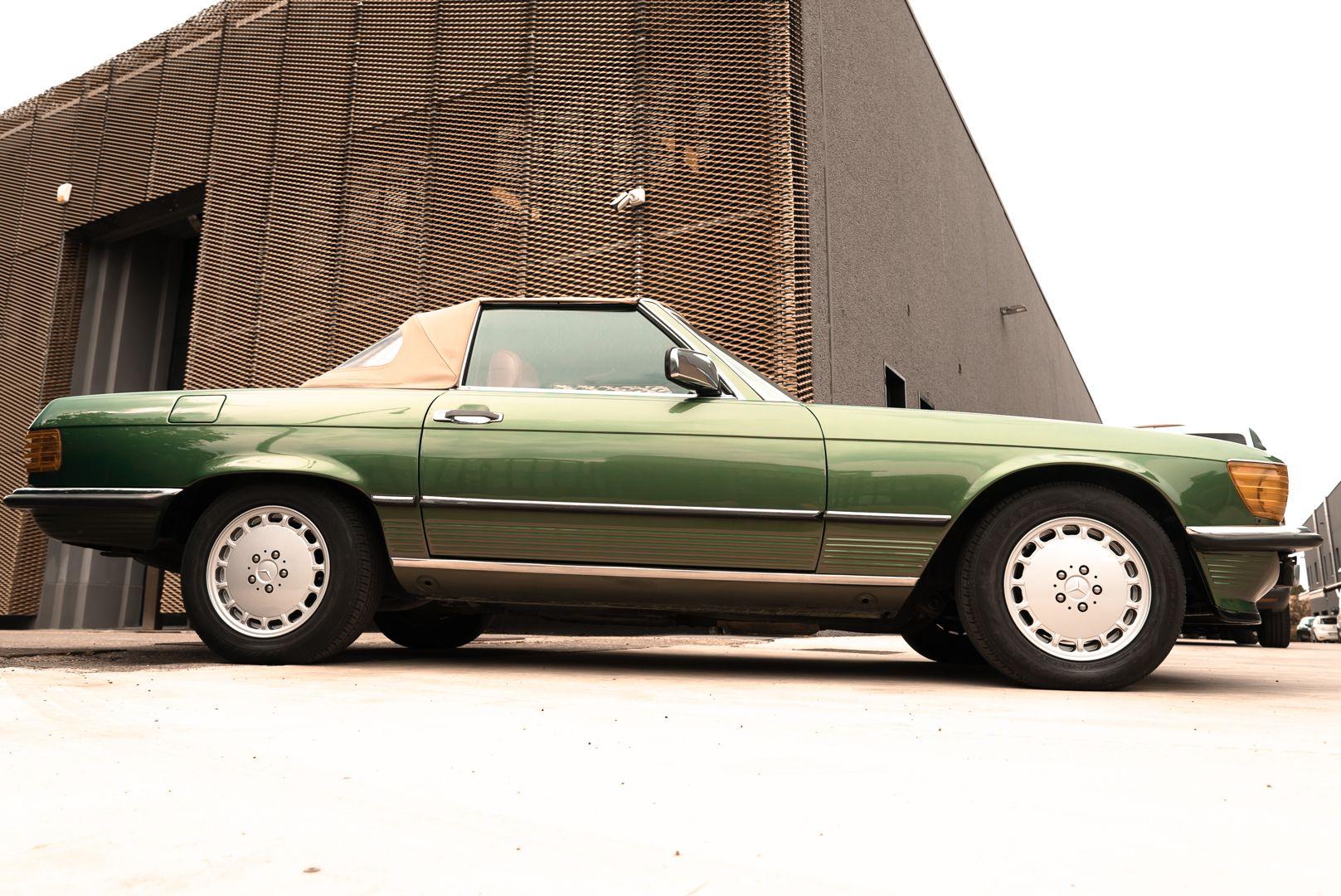 1986 Mercedes-Benz SL 300 69301