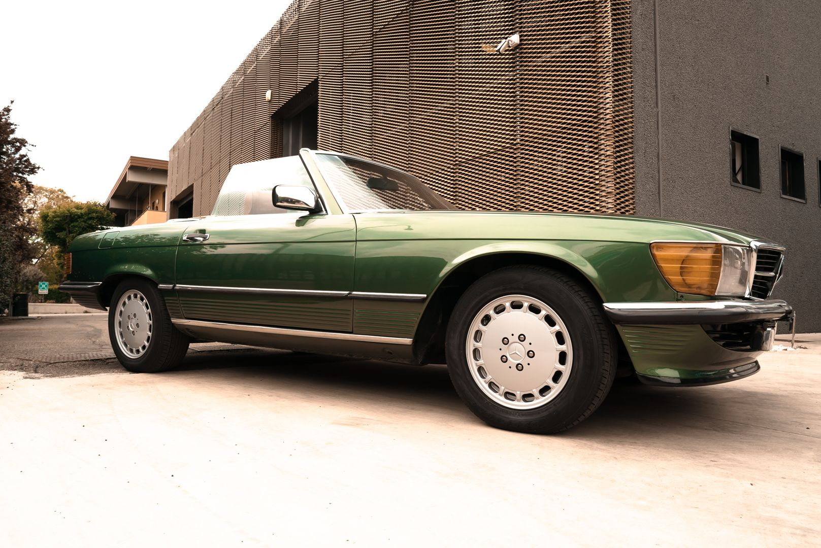 1986 Mercedes-Benz SL 300 69308