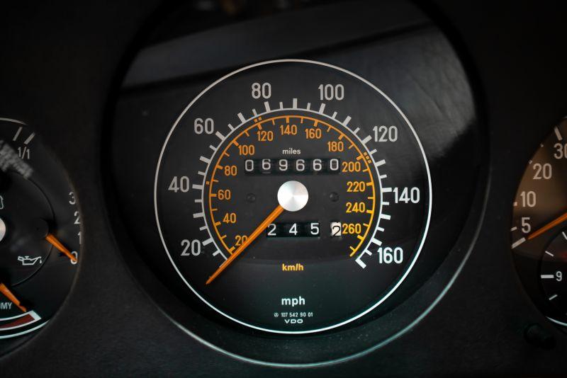 1985 Mercedes-Benz SL 560 73653