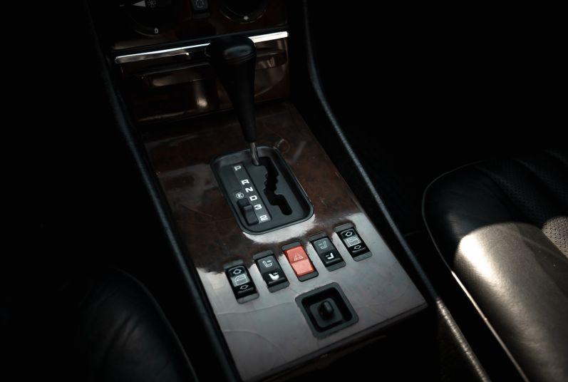 1989 Mercedes-Benz SL 300  67472