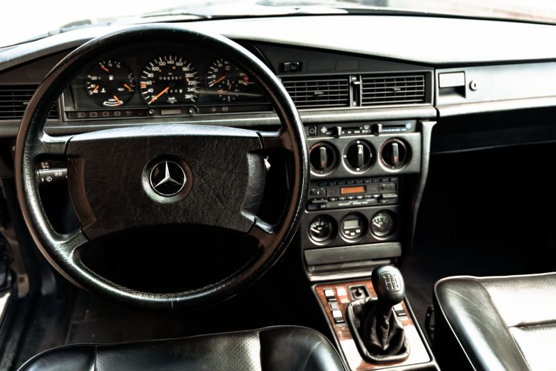 1985 Mercedes-Benz 190E 2.3-16 71355