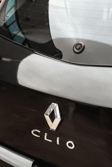 2006 Renault Clio 2.0 RS 81110