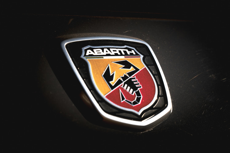 2017 Abarth 695 XSR Yamaha Limited Edition 22