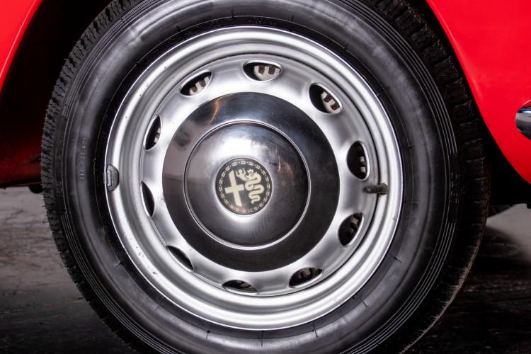 1962 Alfa Romeo Giulietta Spider 11