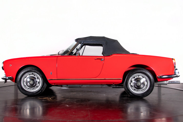 1962 Alfa Romeo Giulietta Spider 1