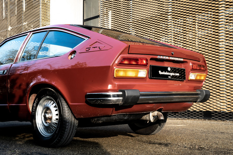 1980 Alfa Romeo Alfetta GTV 2000 L 1