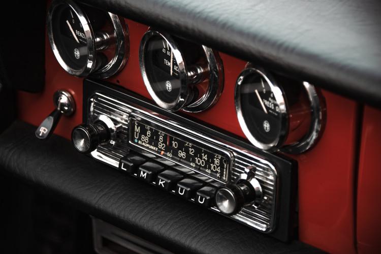 """1970 Alfa Romeo Duetto 1750 """"osso di seppia"""" 25"""