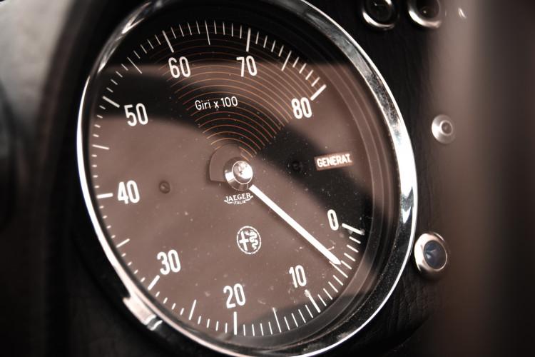 """1970 Alfa Romeo Duetto 1750 """"osso di seppia"""" 17"""