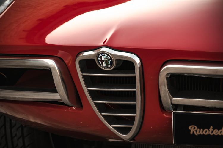 """1970 Alfa Romeo Duetto 1750 """"osso di seppia"""" 10"""