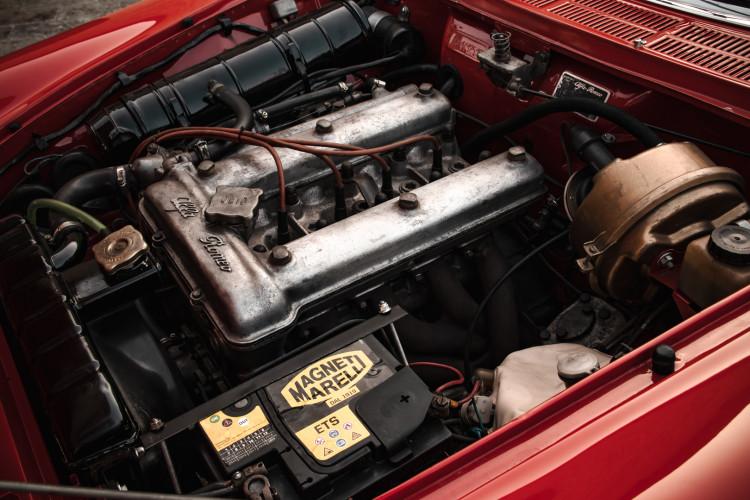 """1970 Alfa Romeo Duetto 1750 """"osso di seppia"""" 39"""