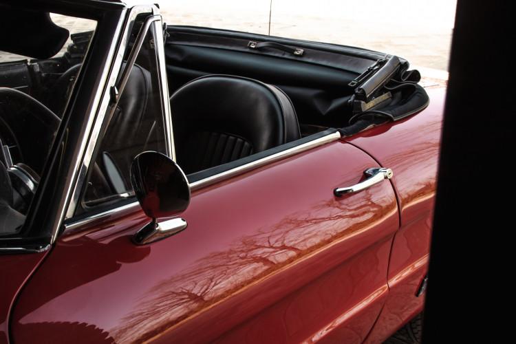 """1970 Alfa Romeo Duetto 1750 """"osso di seppia"""" 33"""