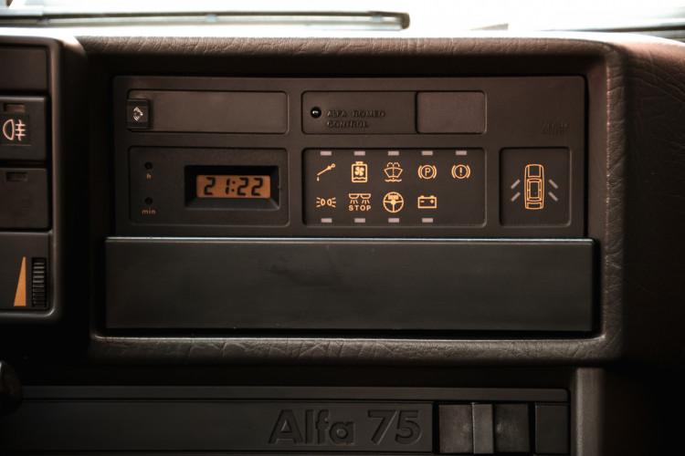 1988 Alfa Romeo 75 Turbo America 19