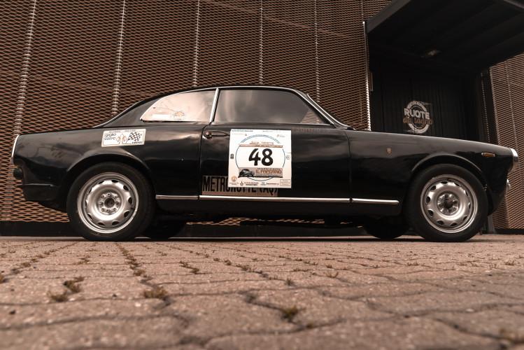 1962 Alfa Romeo Giulietta Sprint 1300 Race Car 2