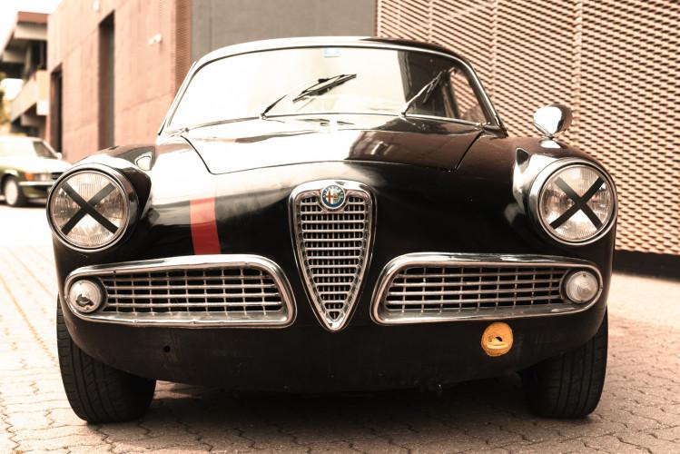 1962 Alfa Romeo Giulietta Sprint 1300 Race Car 1