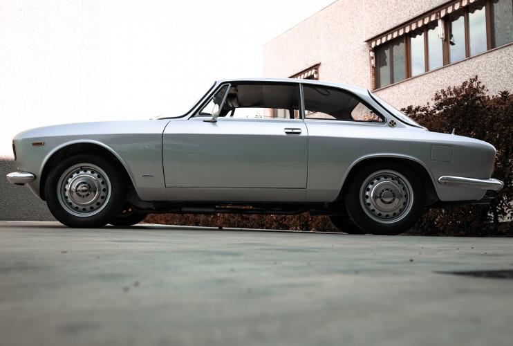 1967 Alfa Romeo Giulia Sprint GT 1600 8