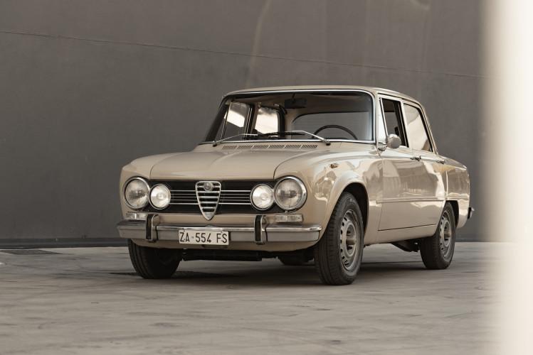 1972 Alfa Romeo Giulia Super 1300 0