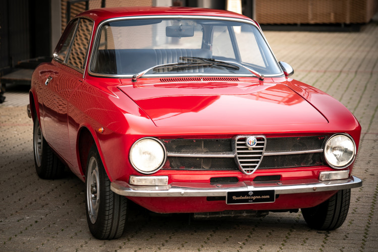 1973 Alfa Romeo GT 1300 Junior 0