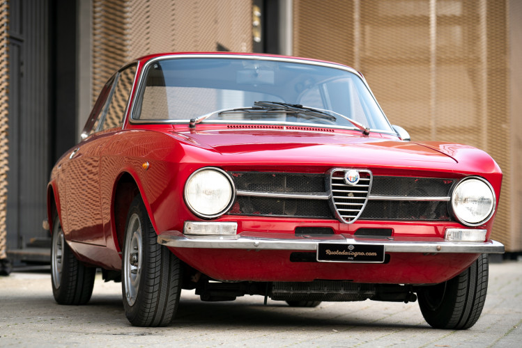 1973 Alfa Romeo GT 1300 Junior 2