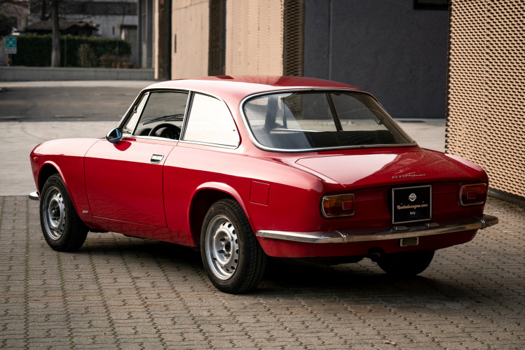 1973 Alfa Romeo GT 1300 Junior 16