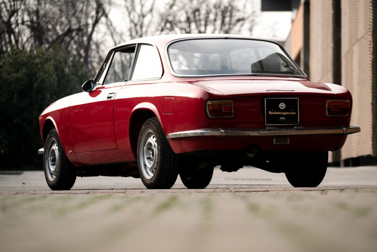 1973 Alfa Romeo GT 1300 Junior 19