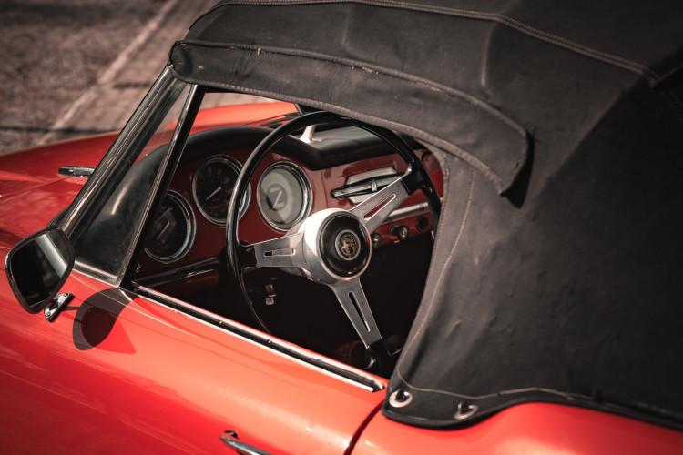1963 Alfa Romeo Giulia Spider  27