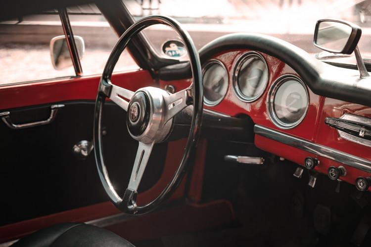 1963 Alfa Romeo Giulia Spider  28