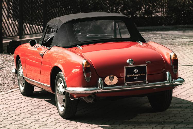 1963 Alfa Romeo Giulia Spider  8