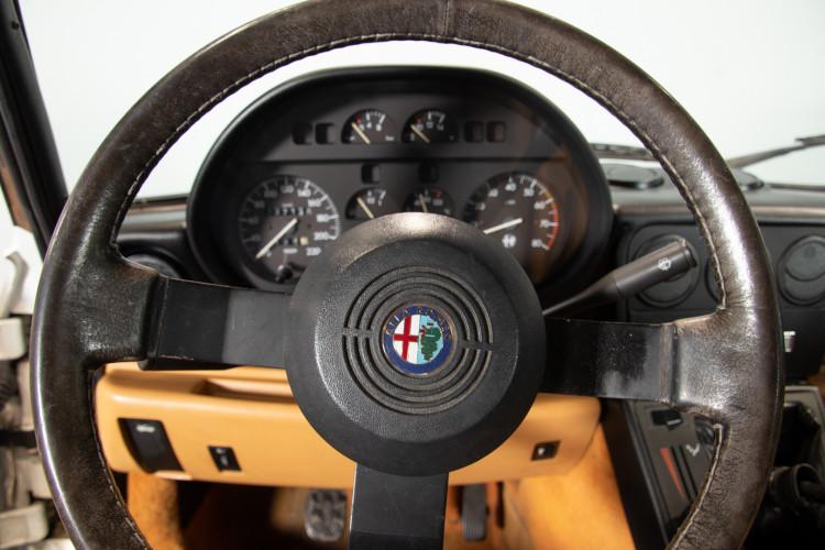 "1990 Alfa Romeo spider 2000 ""Duetto"" 11"