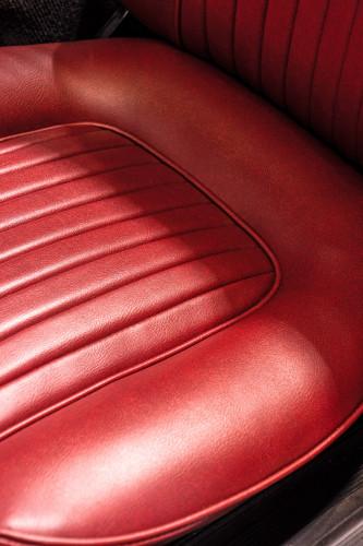 """1969 Alfa Romeo Duetto Spider 1750 """"Osso di Seppia"""" 24"""