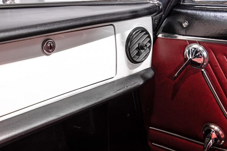 """1969 Alfa Romeo Duetto Spider 1750 """"Osso di Seppia"""" 39"""