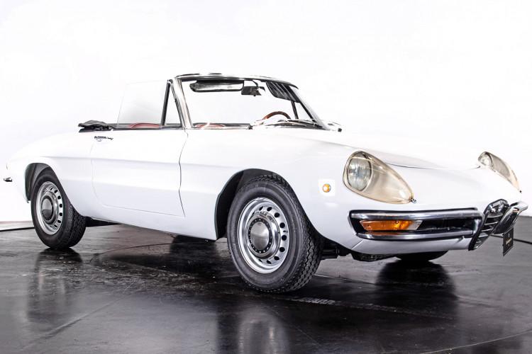 """1969 Alfa Romeo Duetto Spider 1750 """"Osso di Seppia"""" 14"""