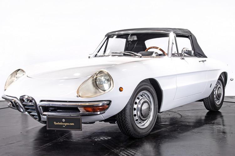 """1969 Alfa Romeo Duetto Spider 1750 """"Osso di Seppia"""" 0"""