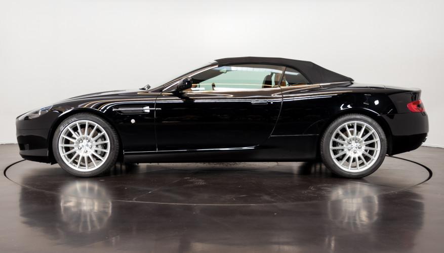 2006 Aston Martin DB9 Volante 10