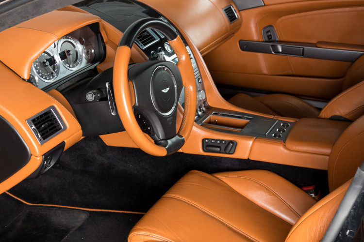 2006 Aston Martin DB9 Volante 23