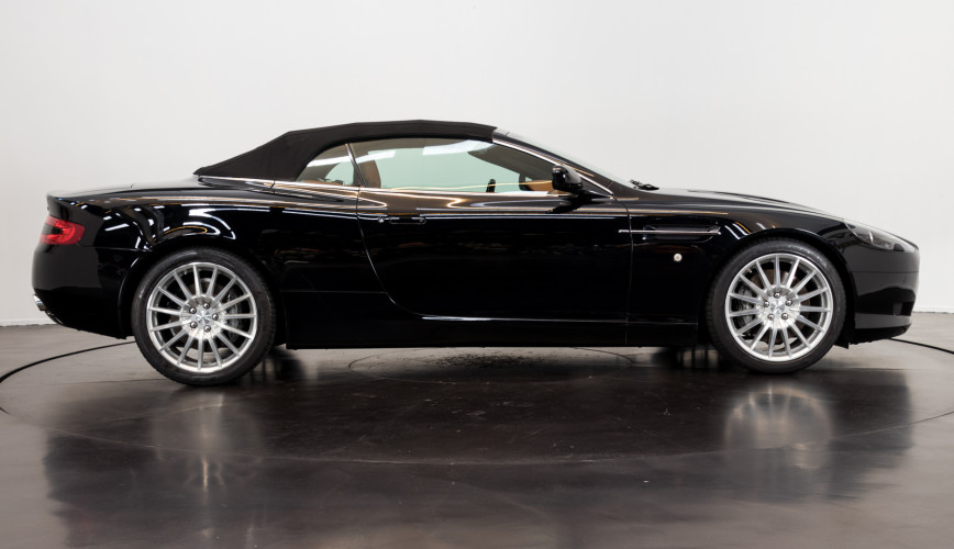 2006 Aston Martin DB9 Volante 5