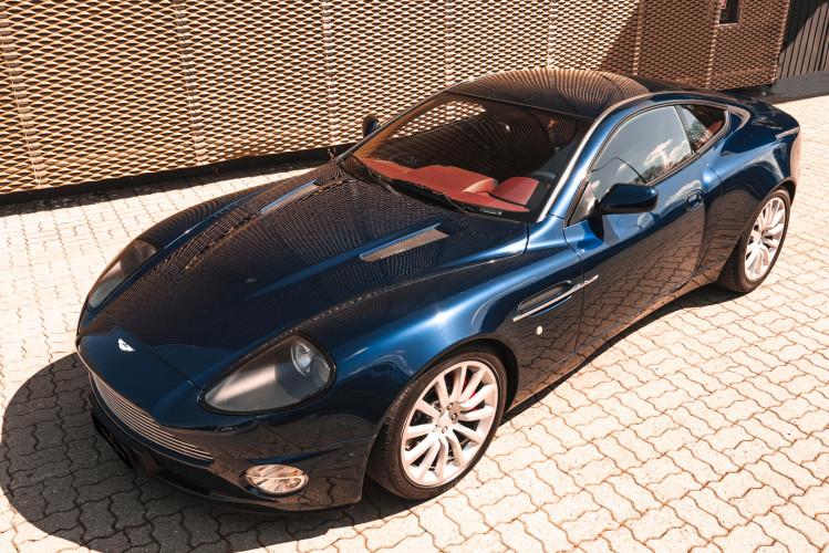 2001 Aston Martin V12 Vanquish 0