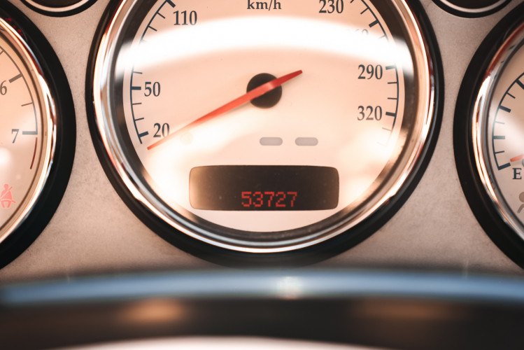 2001 Aston Martin V12 Vanquish 28