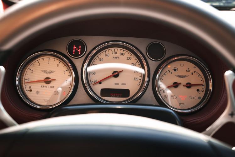 2001 Aston Martin V12 Vanquish 30