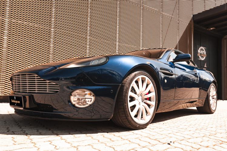 2001 Aston Martin V12 Vanquish 3