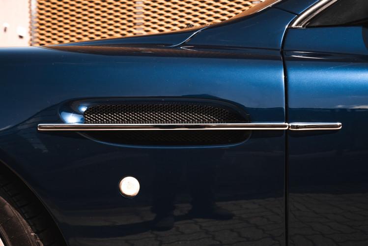 2001 Aston Martin V12 Vanquish 10