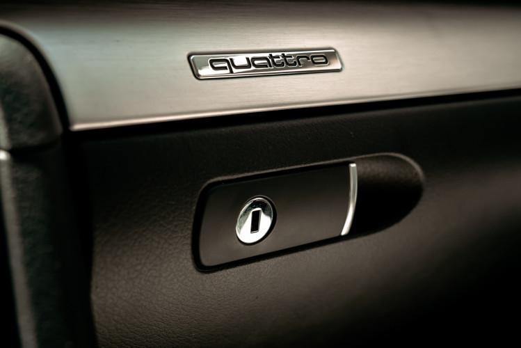 2006 Audi RS4 Avant Quattro V8 4.2 FSI 22