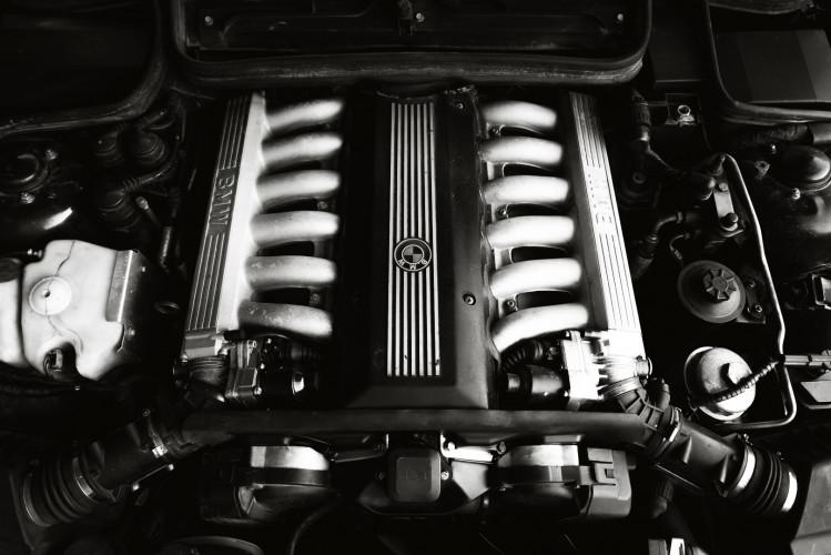 1992 BMW 850 i 37