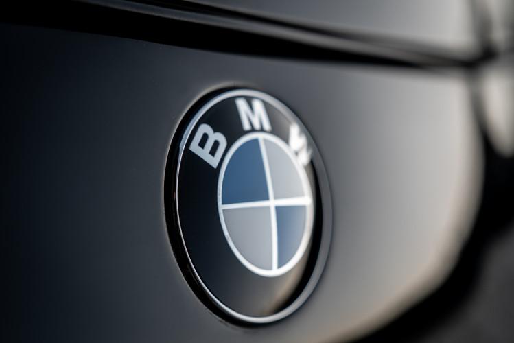 1992 BMW 850 i 38
