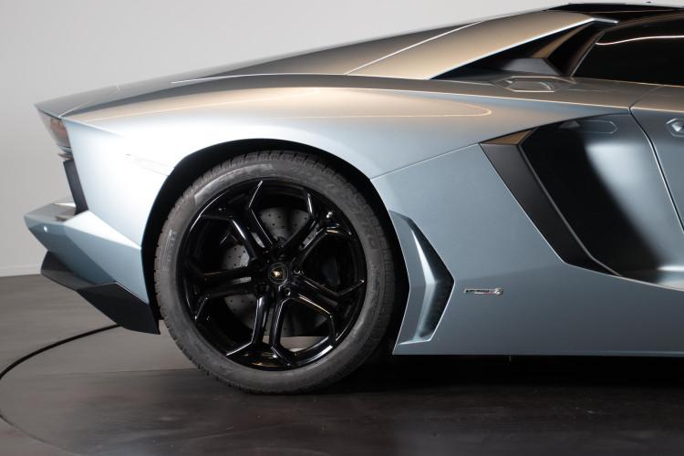 2014 Lamborghini Aventador Roadster  25