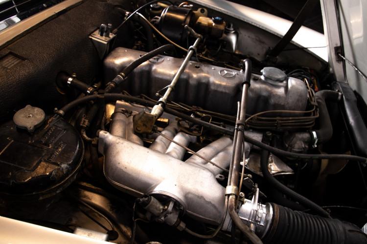"1966 Mercedes-Benz 230 SL ""Pagoda"" 29"
