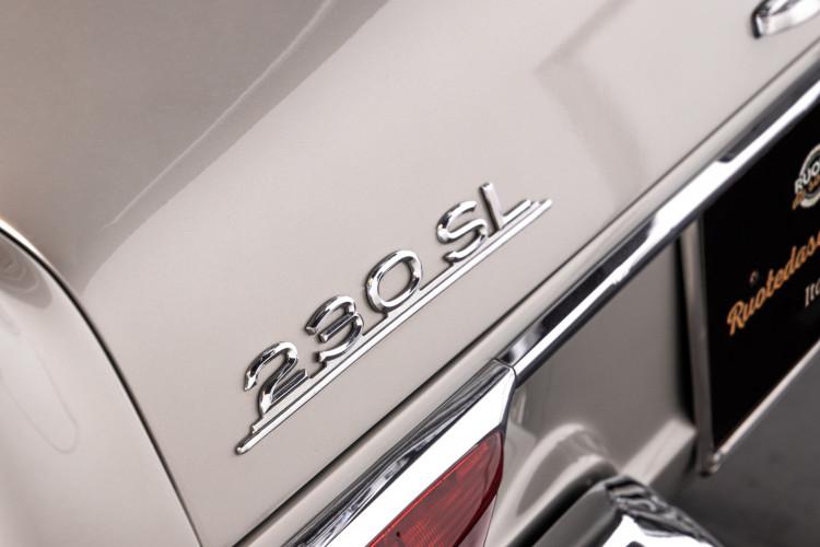 "1966 Mercedes-Benz 230 SL ""Pagoda"" 32"